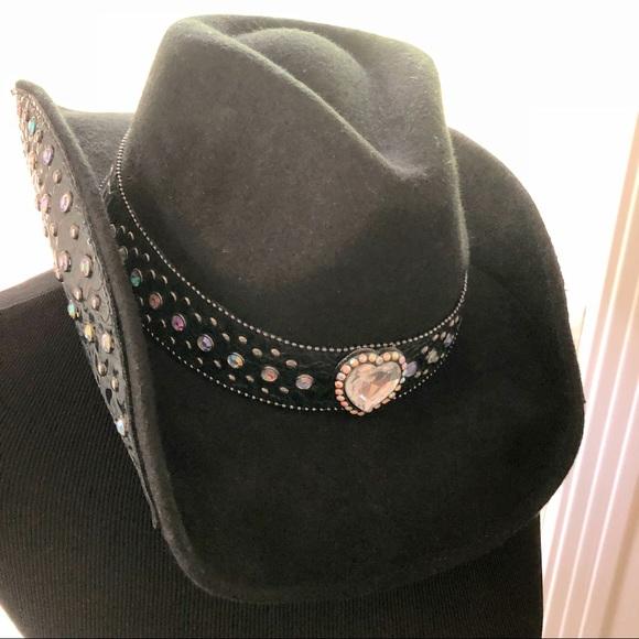 5f6a49c4d63ec Goldcoast Sunwear Accessories - ❌MAKE OFFER❌🌵Western Cowgirl Hat🐎